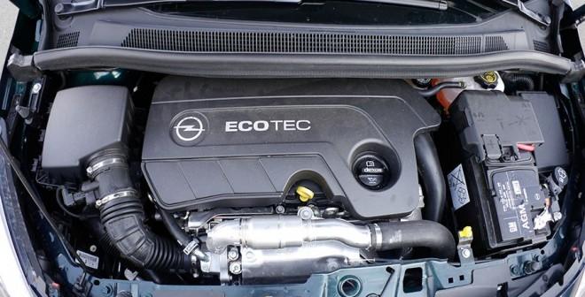 Prueba Opel Meriva CDTi 136CV 2015, motor, Rubén Fidalgo
