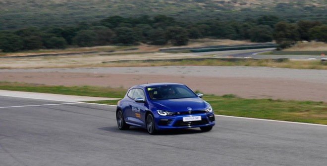 Volkswagen R Driving Experience Ascari 2015