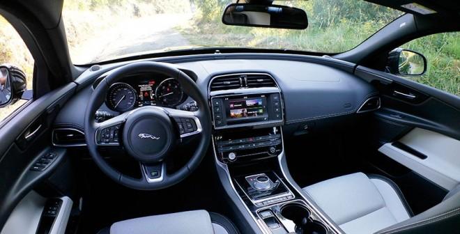 Prueba Jaguar XE 2.0d 180 CV 2015, interior, Rubén Fidalgo