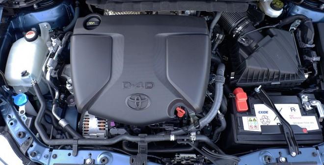 Prueba Toyota Auris TS Feel 115d 2015, motor, Rubén Fidalgo