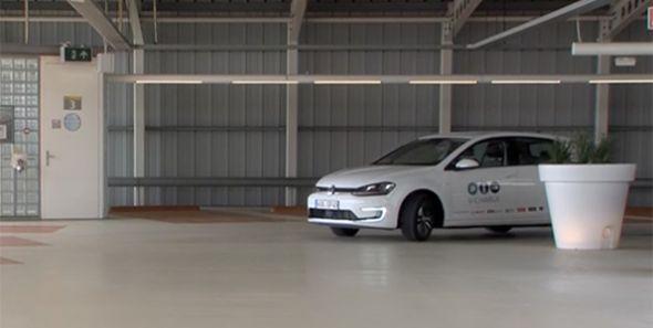 Volkswagen V-Charge: aparcamiento autónomo y carga por inducción
