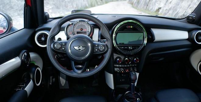 Prueba Mini Cooper S 5 puertas 2015, interior, Rubén Fidalgo