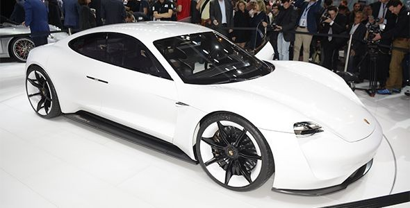 Porsche Mission E: tan eléctrico y veloz como un rayo