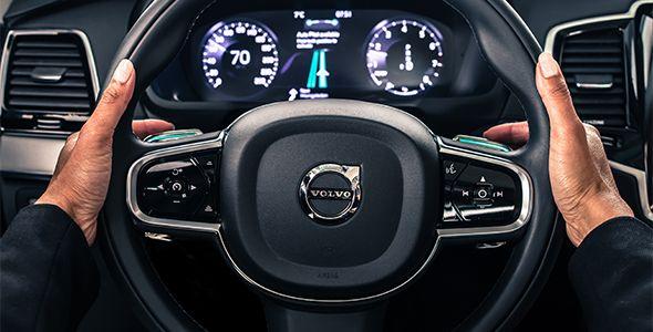 Volvo inventa una interfaz para transferir el control del hombre al coche