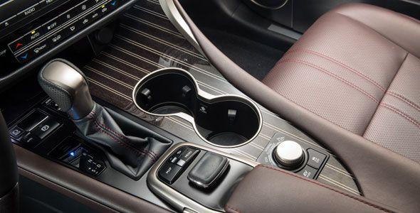 Lexus recurre a los artesanos de Yamaha para el RX
