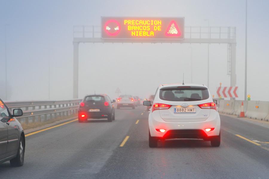 Cómo conducir con niebla: atento a tu visibilidad