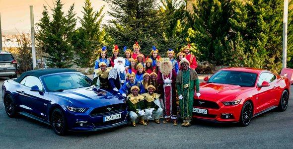 Los Reyes Magos se suben a un Mustang