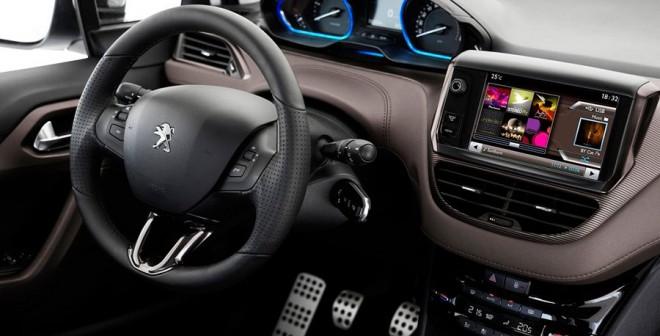 Peugeot 2008 PureTech tecnología y crossover en tamaño compacto