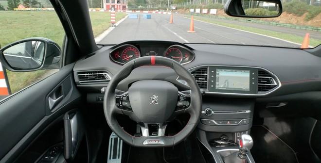 Prueba Peugeot 308 GTi 250 CV, interior, Rubén Fidalgo
