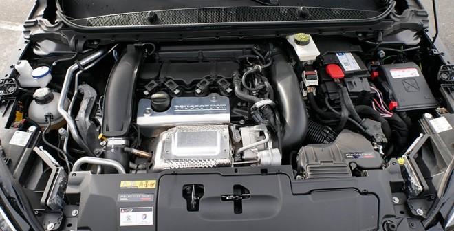 Prueba Peugeot 308 GTi 250 CV, motor, Rubén Fidalgo
