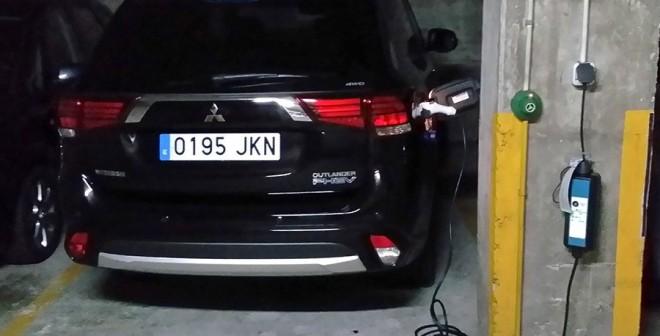 Prueba del Mitsubishi Outlander PHEV 2016, recarga, Rubén Fidalgo