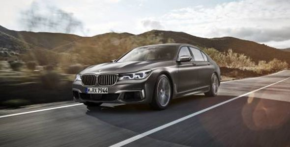 BMW M760Li xDrive: porque el lujo también puede ser divertido