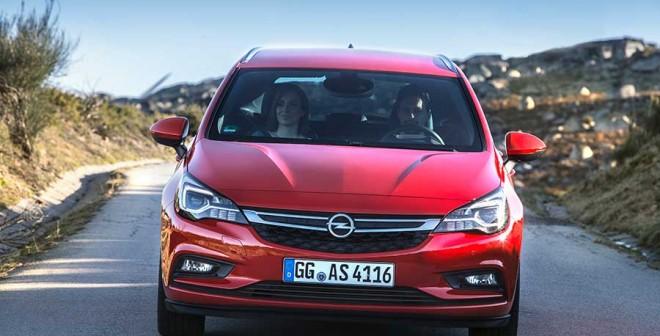 Opel_Astra_Tourer_ext-front