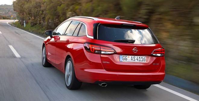Opel_Astra_Tourer_ext-tras2