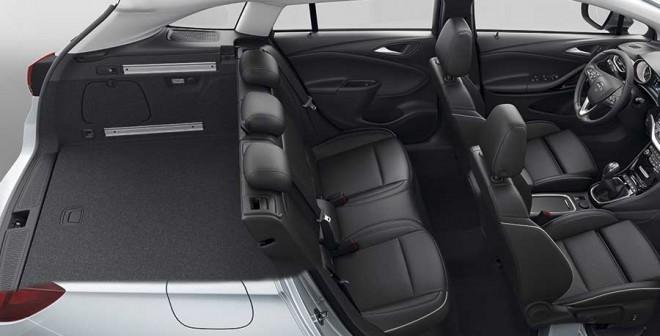 Opel_Astra_Tourer_interior-radiog