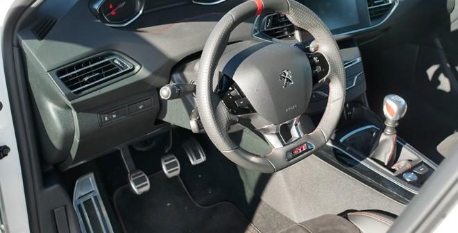 Prueba del Peugeot 308 GTi by Peugeot Sport 270 CV, interior, Rubén Fidalgo