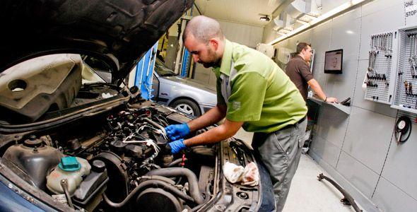 Los coches 'mileuristas' solo se llevan una de cada tres reparaciones