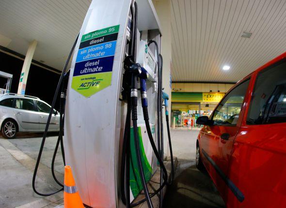 Los españoles ahorrarán casi 12 millones de euros en gasolina