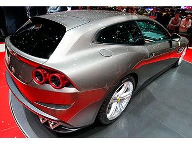 Vídeo del debut del Ferrari GTC4Lusso en el Salón de Ginebra