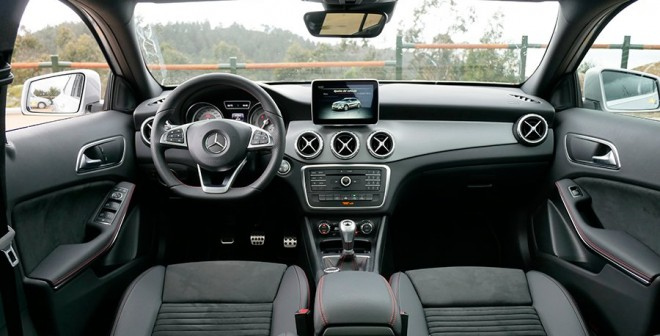 Prueba Mercedes GLA 200d 2016, interior, Rubén Fidalgo