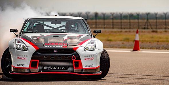 El Nissan GT-R MY16 logra el récord Guinness por el derrape más rápido del mundo