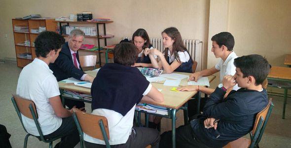 PSA y la fundación Créate colaboran en un programa para jóvenes estudiantes
