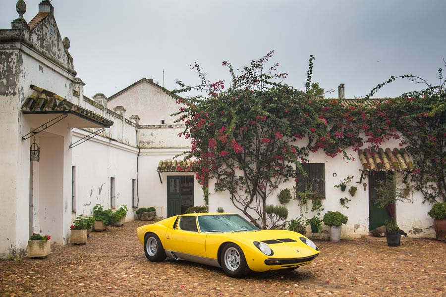 El Lamborghini Miura vuelva a Zahariche.
