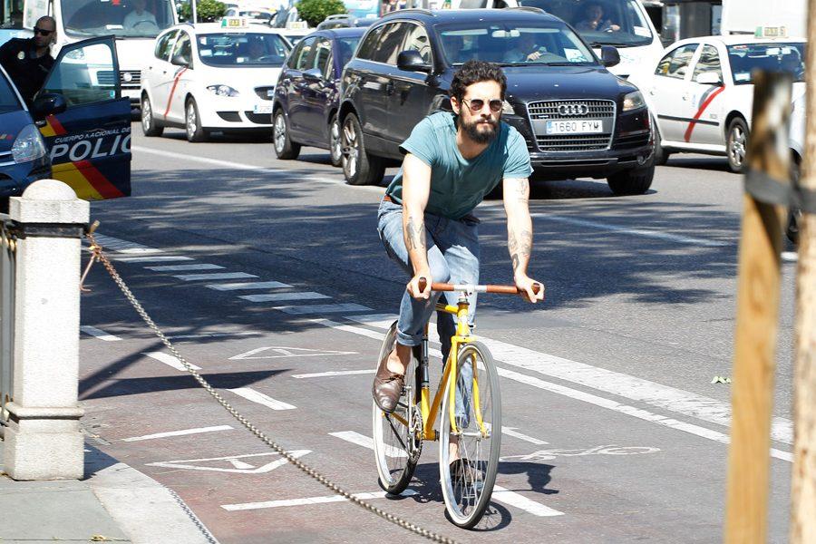 ¿Te pueden quitar el carnet por una infracción en bici?