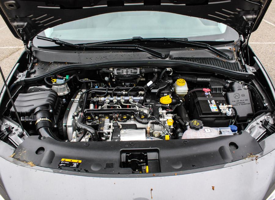 El motor diésel de 120 CV ofrece un buen nivel de rendimiento.