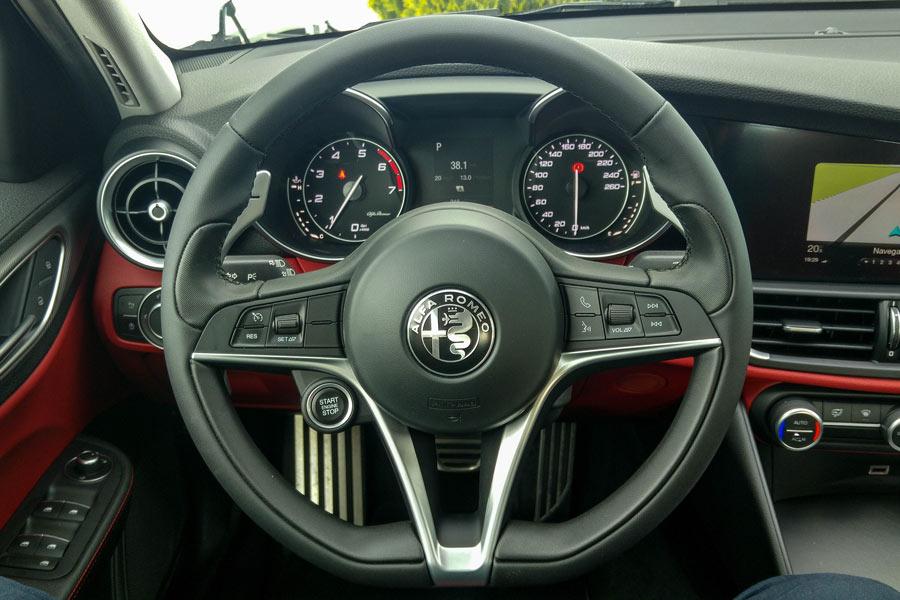 El consumo medio del Alfa Romeo Giulia es de, aproximadamente, 8 l/100 km.