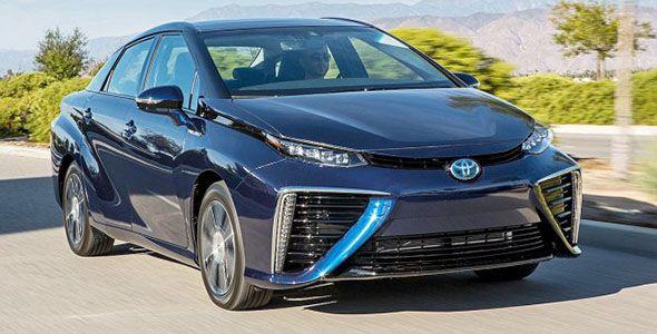 Toyota y KDDI crearán un software para el vehículo conectado