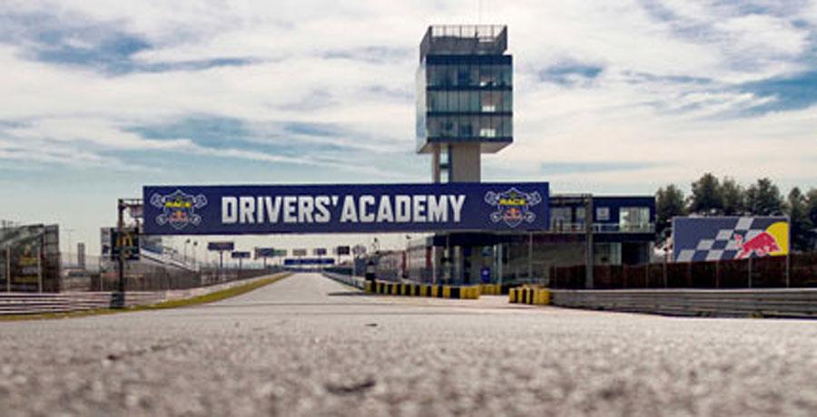 La Drivers' Academy ya ha formado a 500 jóvenes
