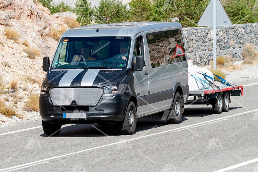 Nuevas fotos espía de la nueva Mercedes Sprinter 2018