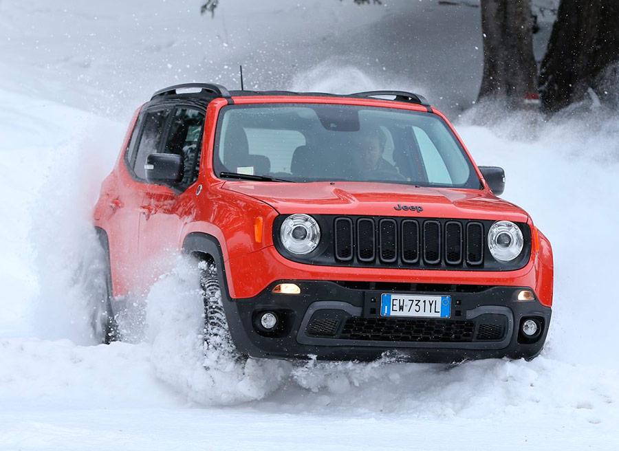 El Jeep Renegade es uno de los coches SUV con más capacidades fuera de la carretera.