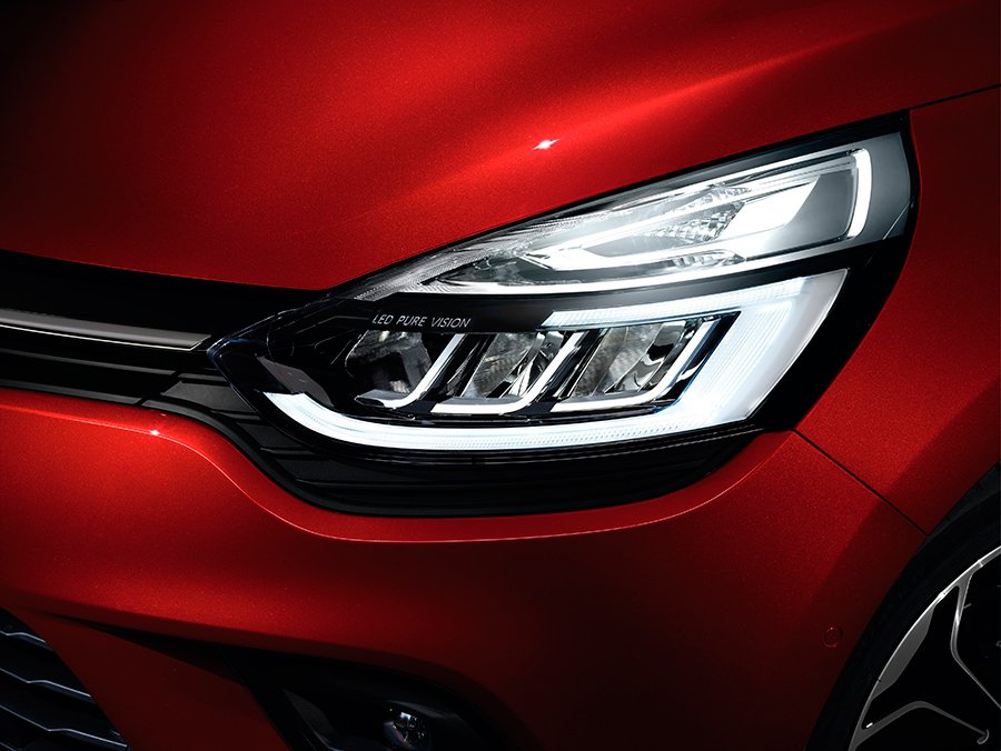Los faros LED mejoran la seguridad y le dan un aspecto más moderno al Clio.