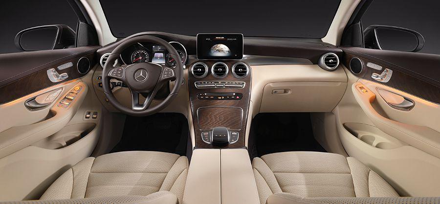 El interior es acogedor y el equipamiento completo y a la última en tecnología.
