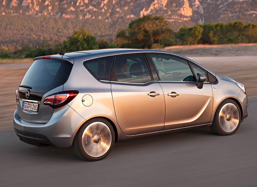 El monovolumen Opel Meriva es rival del Ford B-Max.