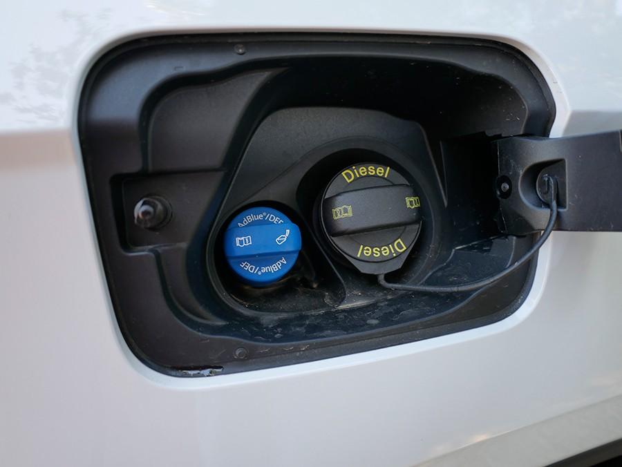 Cómo rellenar AdBlue en los coches diésel