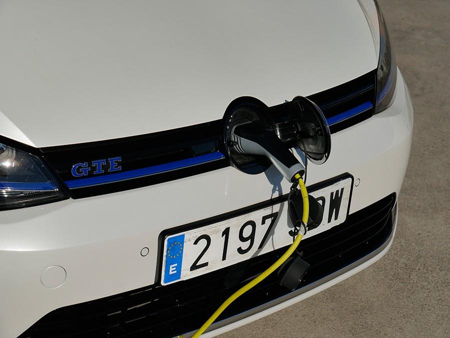 El GTE tiene una autonomía eléctrica que ronda los 50 km.