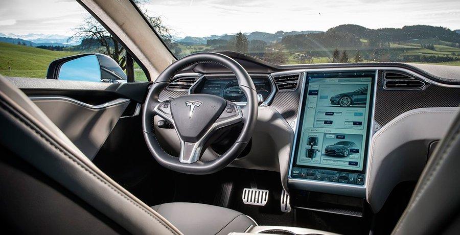 Siguen investigando el accidente mortal del Tesla con piloto automático
