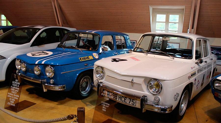 Varios Renault en Le Manoir de L´Automobile