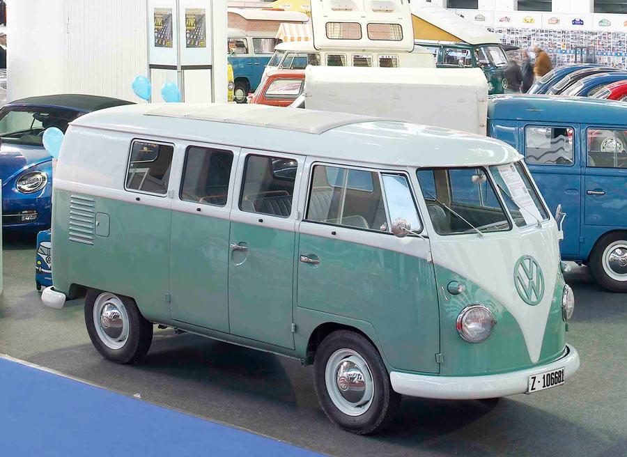 """Volkswagen Tipo 2, uno de los """"bisabuelos"""" de los monovolúmenes actuales."""