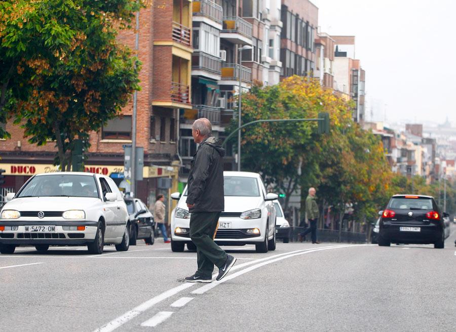 Los peatones pueden estar, y aparecer, en cualquier parte. Aunque pueden ser sancionados por ello, mucho cuidado con los atropellos.