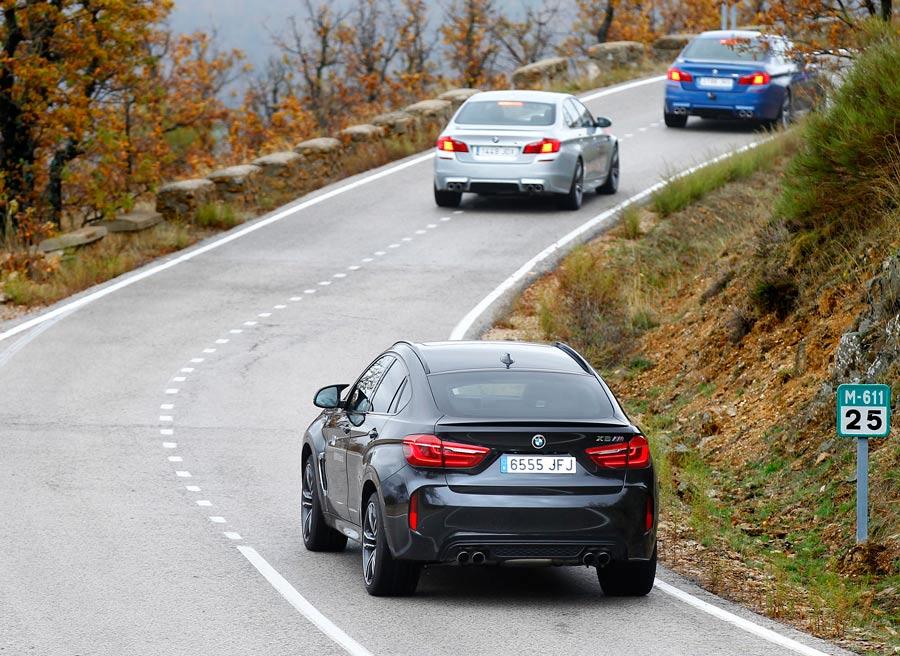 En las carreteras convencionales, deja distancia de seguridad: podrás conducir más fácilmente.