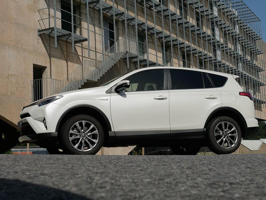 Prueba del Toyota Rav4 híbrido de tracción total 2016
