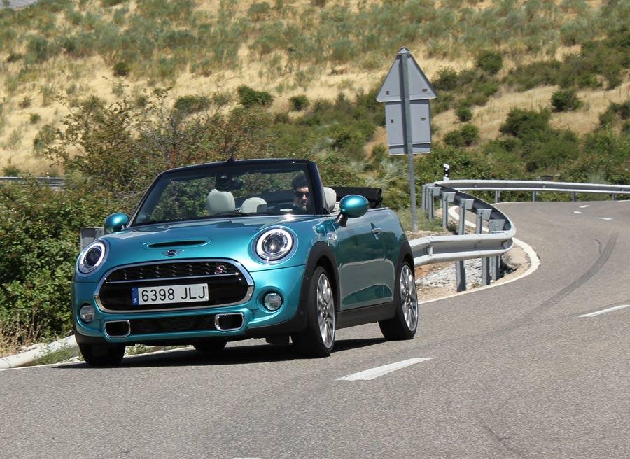 Según consumos homologados, el Mini Cooper S Cabrio consume de media 6,1/100 km.