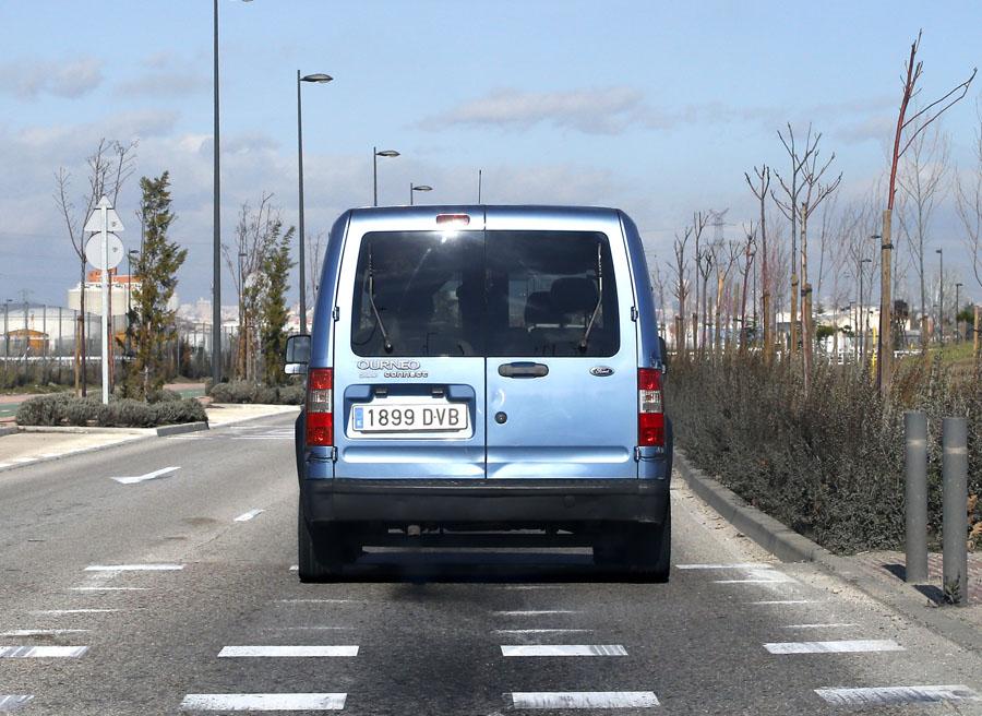 Los vehículos destinados para el uso comercial más frecuentes son las furgonetas ligeras, furgones y las pick-up.