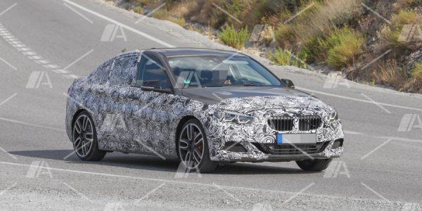 Fotos espía del BMW Serie 1 Sedán M Performance