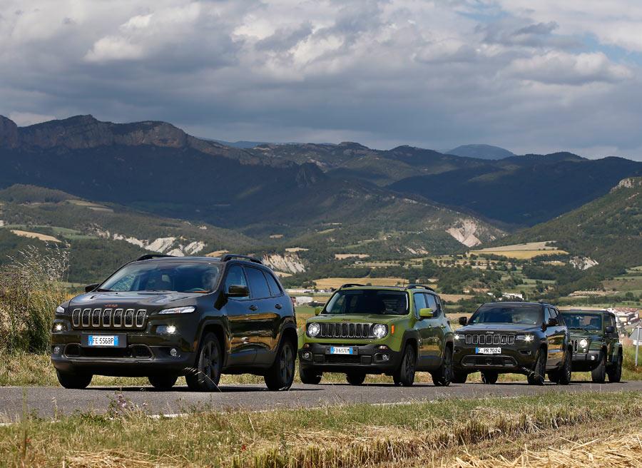 Inspirada en la naturaleza, en toda la gama 75 aniversario está disponible un color verde para la carrocería.