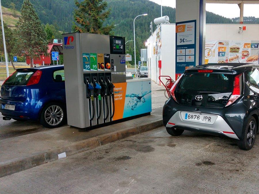 Las ventas de gasolina y diésel se igualan en España en 2017